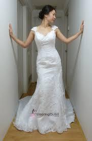 vintage wedding dresses uk chantel lace vintage wedding dress vi 28 weddingfactoryoutlet co