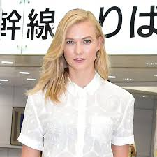 karlie kloss hair color you ll barely recognize karlie kloss with platinum hair allure
