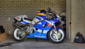 gallery of suzuki gsx r 750