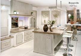 cuisine avec pose cuisine provencale avec ilot 5 poele 224 bois haut de gamme