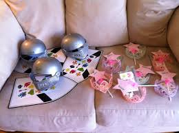 Favors For Boys by Favors Boys Get The Knights Helmet And Tiara And Wand