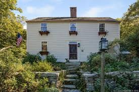 saltbox home 5 18th century saltbox colonials you can buy right now curbed