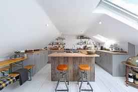 küche in dachschräge 11 einrichtungstipps für küchen im dachgeschoss mit ausblick