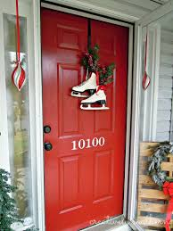 Door Decorations For Winter - holiday front door decor