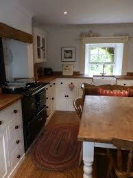 kitchen design ideas country cottage kitchen design wood cabinet