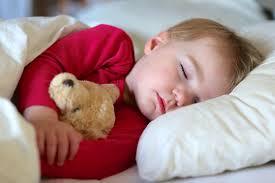 mama dormida mientras que su hijo se la coge consejos para que duerma solo en su cuarto