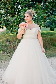robe de mariã e pour ronde de sublimes robes de mariée pour femmes rondes bloom events