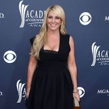 Lee Ann Womack Topless - lee ann womack to perform beloved song at maya angelou s funeral