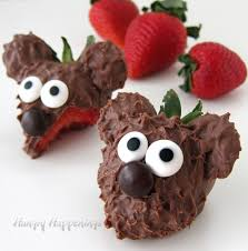 chocolate strawberry chocolate covered strawberry bears decorated berries for
