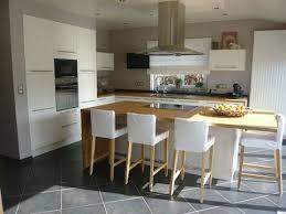 cuisine ouverte sur salon idée relooking cuisine cuisine ouverte sur le salon avec îlot