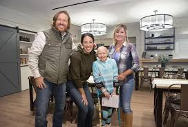 joanna gaines parents chip and joanna gaines bring fixer upper love to children