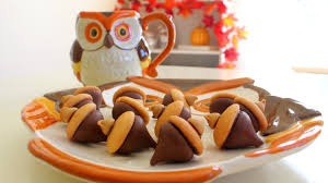 diy easy fall treats kisses acorn treats
