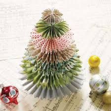 Decorate Christmas Tree Paper by 25 Best Paper Christmas Trees Ideas On Pinterest Diy Christmas