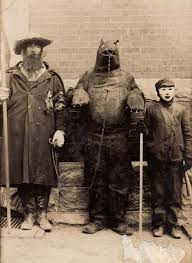 halloween costumes 1800 25 creepy vintage photos from when halloween was much more
