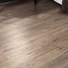 mohawk hanbridge 5 x 47 x 11 93mm oak laminate flooring in brown