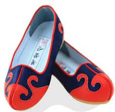 wedding shoes korea gomusin literally translated as rubber shoes as part of the