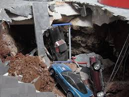 where is the national corvette museum located sinkhole 8 corvettes at museum