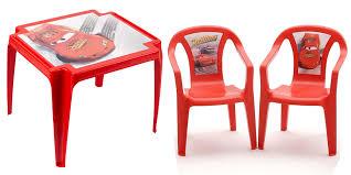 chaise plastique enfant salon de jardin pour enfant cars composé d une table et de 2 chaises