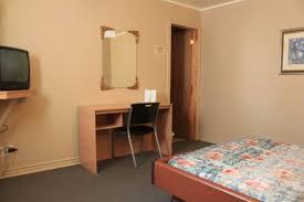 hotel chambre fumeur motel boisé hôtels blainville hébergement québecoriginal