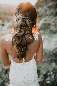 wedding hair 2017 bridal hairstyle adorn with hair comb