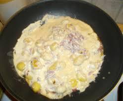 cuisiner les gnocchis gnocchi à la crème fraîche et aux lardons recette de gnocchi à la