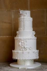 bespoke wedding cakes what constitutes bespoke wedding cakes