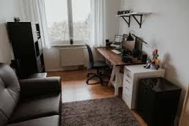 Schreibtisch Design Klein Design Homeoffice Mit Tischbock Schreibtisch Und Industrie Lampen
