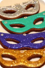 masquerade cookies how to decorate mardi gras mask cookies