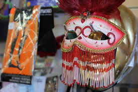 new orleans mask shop gonola tops costume shops in new orleans