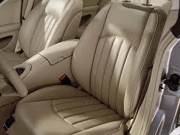 comment nettoyer des sieges en cuir de voiture comment traiter le cuir de l intérieur des voitures axonpost