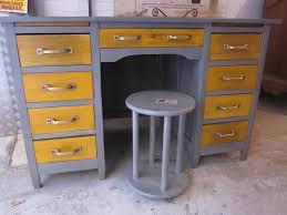 meuble bureau ancien 690e bureau ancien restauré en peinture naturelle poignées métal