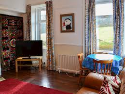 livingroom edinburgh torduff cottage ref 29374 in edinburgh edinburgh and the