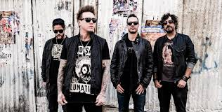mgk halloween costumes papa roach release new single