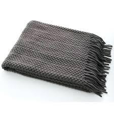 plaid canap gris jet de lit ou plaid canap brod soie gris
