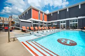the breakwater new luxury apartments for rent in new albany in