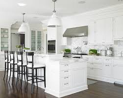 Classic White Kitchen Cabinets Decorating Ideas For Classic Kitchen