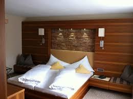 tv dans chambre chambre à coucher avec tv chambre 35 picture of hotel schloss