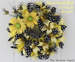 How To Make A Halloween Deco Mesh Wreath Who Is Ready For Spring The Bees And I Are Certainly Ready This