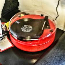 retro red soundmachine hartesbarbers today turntable vinyl