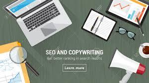 Schreibtisch Mit Computer Seo Und Textkonzept Schreibtisch Mit Computer Tablet Megaphon