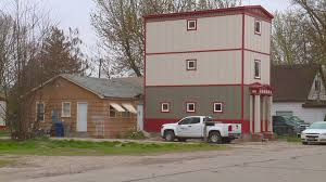 Weird House by Mixed Feelings Over Unusual Skinny House In Downtown Eagle Ktvb Com