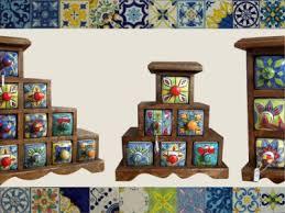 portaspezie in legno portaspezie di legno e ceramica contenitori per spezie