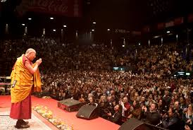 dalai lama spr che his holiness the dalai lama addresses two packed audience of 6 500