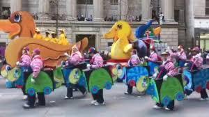macy s amazing happy thanksgiving parade 2017 trolls olaf hello