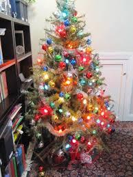 tree with large bulbs chritsmas decor