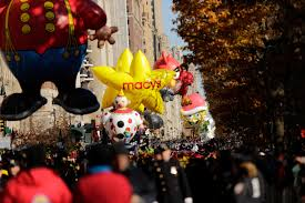 macy s thanksgiving day parade balloon pops but show marches on
