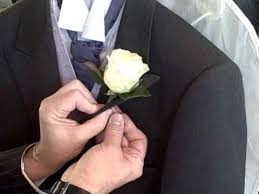 wedding flowers buttonholes how to attach a gents wedding button
