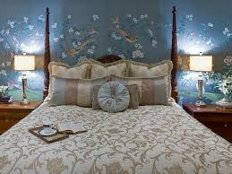 Master Bedroom Wall Decorating Ideas Miscellaneous How To Create Pretty Master Bedrooms Decorating