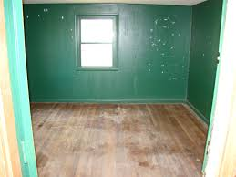 what paint colors make rooms look bigger what color floors make room look bigger on living room design ideas