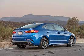 hyundai elantra reviews research new u0026 used models motor trend